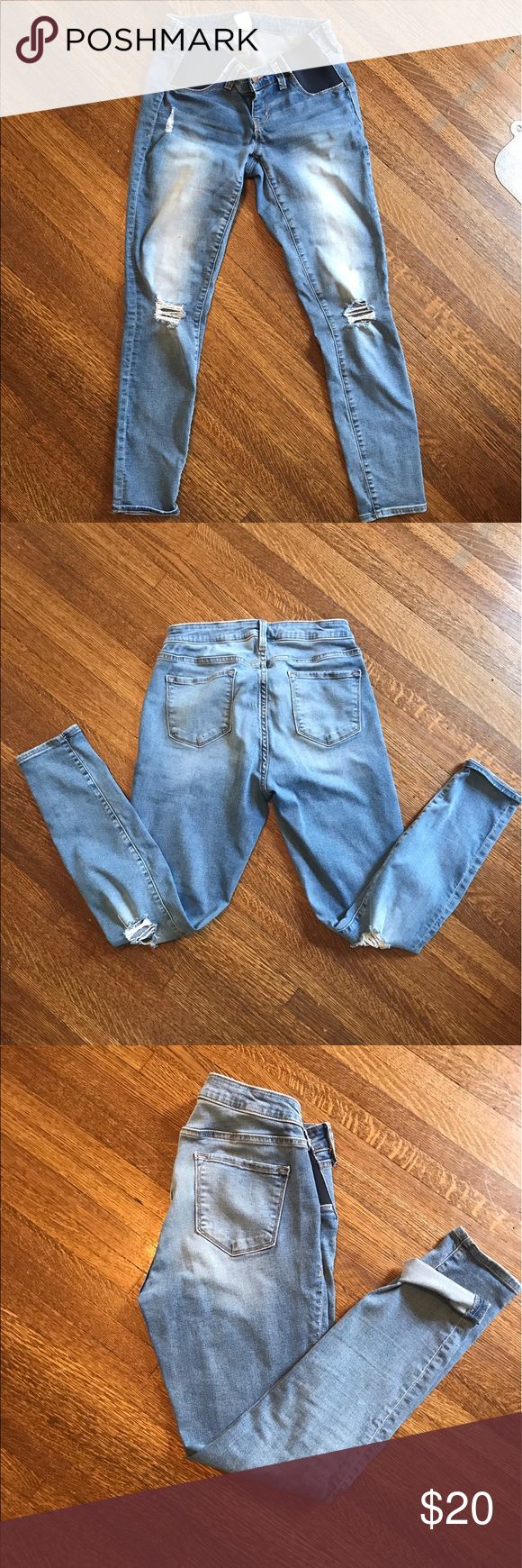 Old Navy Distressed Maternity Jeans Maternity Rockstar jeans with side panel. Old Navy Jeans Skinny