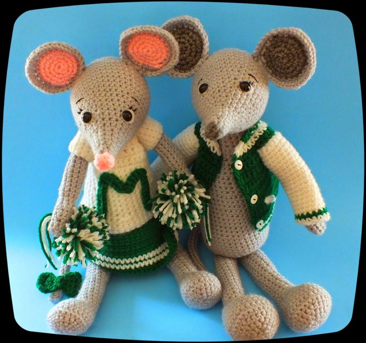 Connie's Spot© Crocheting, Crafting, Creating!: Mindy & Colby Mouse© In Their Sports Team Apparel
