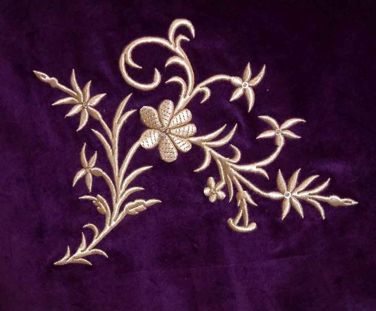 maraş işi ile yapılmış çiçek desenli örtü modeli