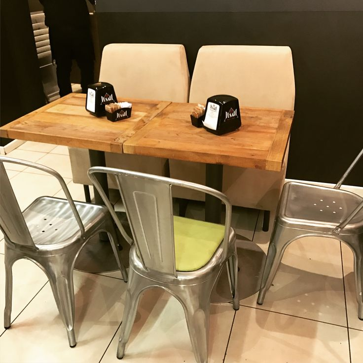 Tavolino da bar, legno di recupero finito ad olio naturale