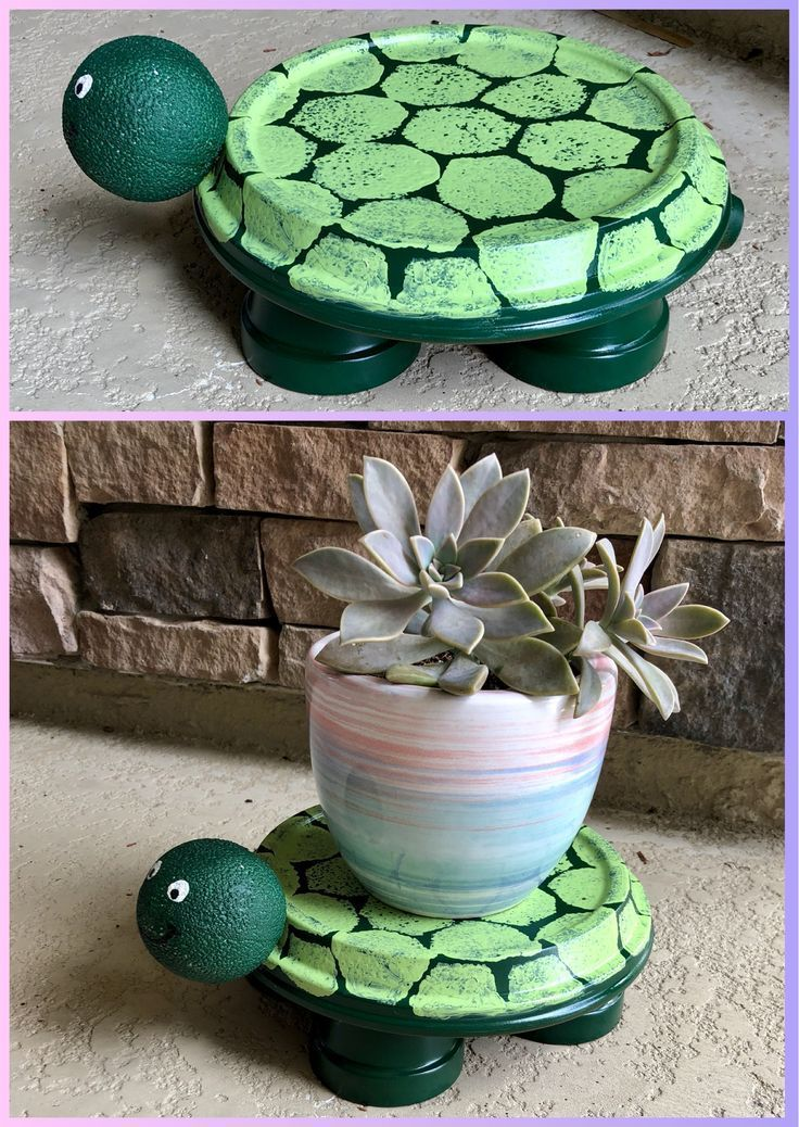 Turtle Terra Cotta Pot Turtle Flower Pot Holder Turtle Is Made Out A Flower P Cotta In 2020 Painted Flower Pots Clay Flower Pots