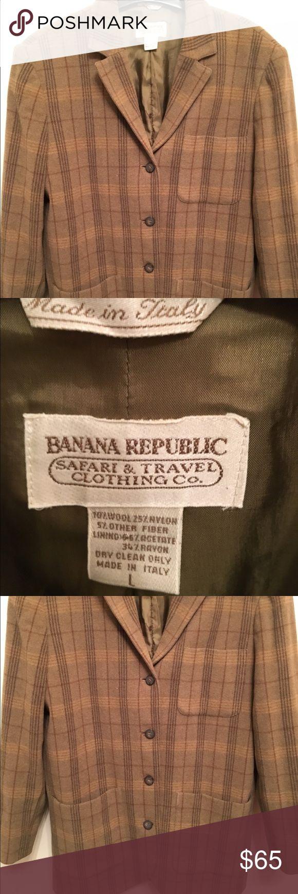 Vintage Bananna Republic Safari& Travel coat Very sharp looking coat Banana Republic Suits & Blazers Sport Coats & Blazers