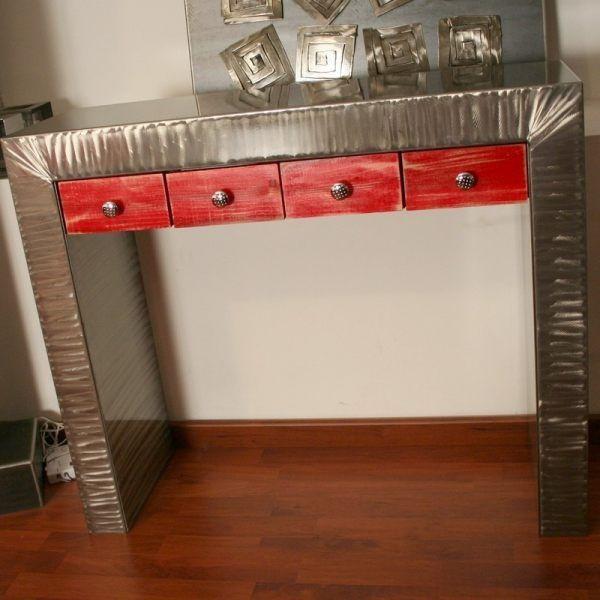 Découvrez sur Loftboutik cette console design au métal brossé sublimant votre intérieur. Elle dispose de tiroirs personnalisables www.loftboutik.com