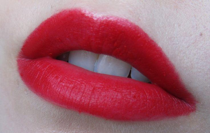 cupid's_bow_full_lips
