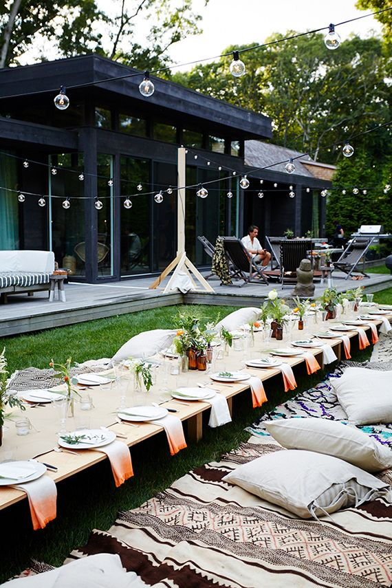 casual outdoor dinner party // perfect for summer!