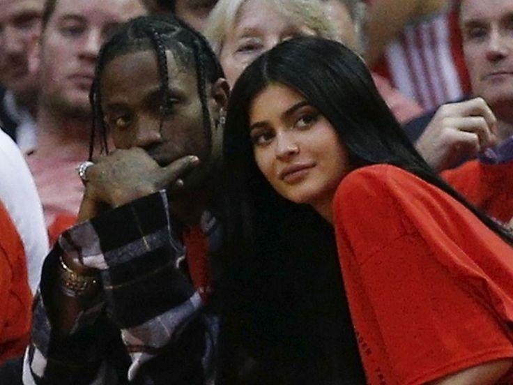 Kylie Jenner se habría casado en secreto con su novio Travis Scott