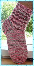 Socken im Wellenmuster Handgefärbtes Garn