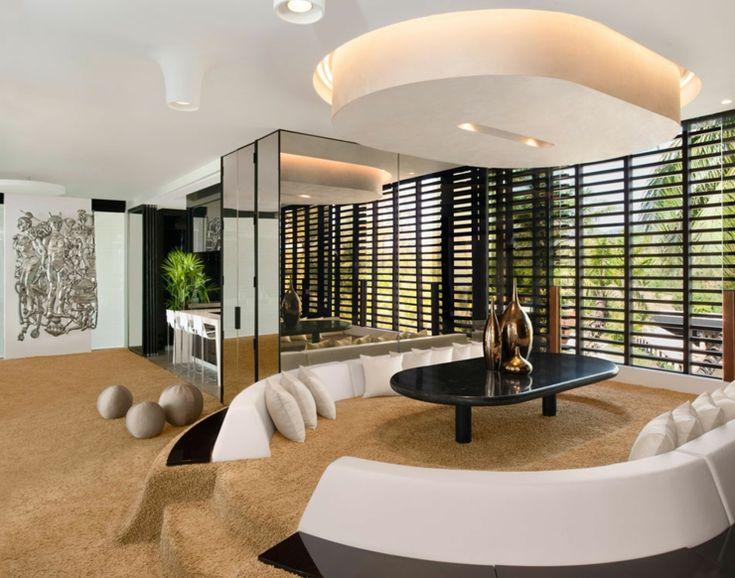 Sala con amplios espacios para cocina, salón, comedor