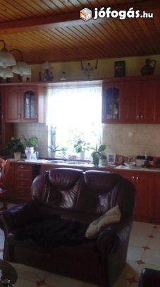 Nagy telkű tip-top családi ház eladó!