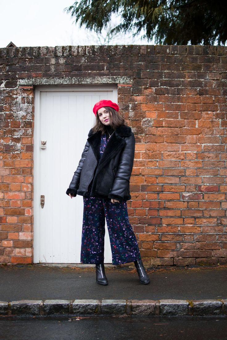 Outfit: Monki jumpsuit, Primark jacket and beret, Zara boots