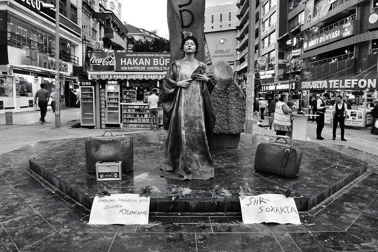 #şiirsokakta #sokak #şiir #siyah #beyaz #sanat #huner #tiyatro #vsco #reş #spî #شعر http://turkrazzi.com/ipost/1524845457606922375/?code=BUpVt1eB1CH