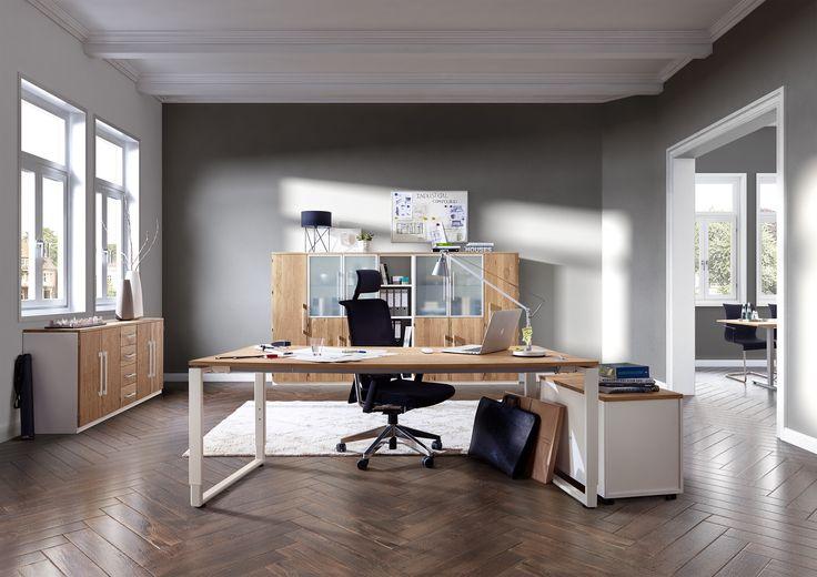 Komplettbüro mit Schreibtisch, Rollcontainer und Aktenschrank