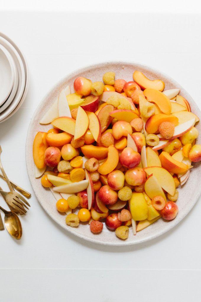 monochromatic-fruit-salad