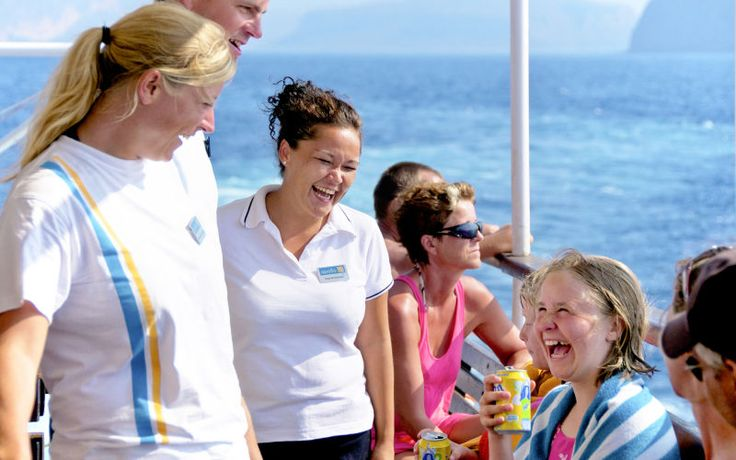 Mød Apollos rejseledere på Kreta. De hjælper dig gerne med evt. spørgsmål eller hjælp til at booke en af vores oplevelsesrige udflugter. Se mere på www.apollorejser.dk/rejser/europa/graekenland/kreta