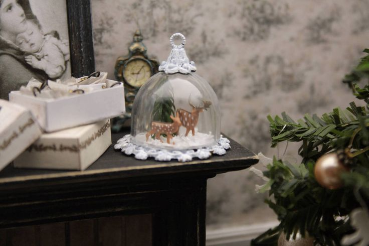 Miniature Christmas bell tutorial from Annie at Gypsy Boudoir Miniatures