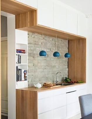 Ett kjøkken, tjuetre meter benkeplate