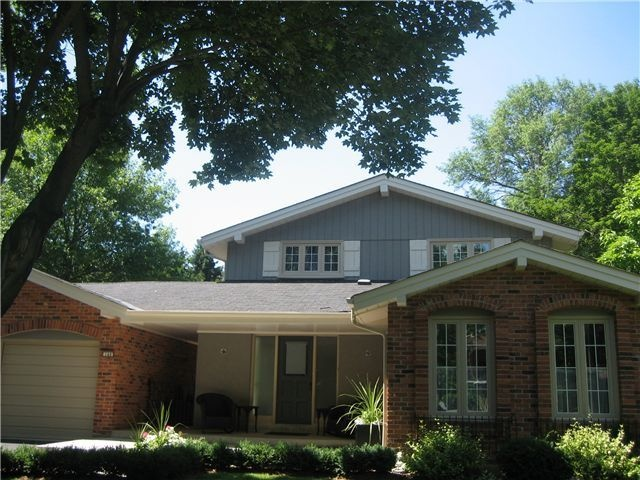 ... House colors on Pinterest | Blue siding, White trim and Ranch homes