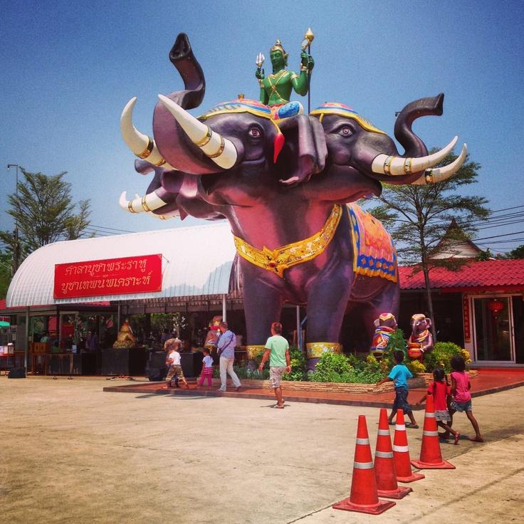 Triple heads elephant