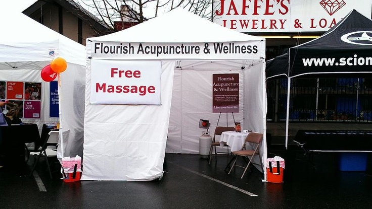 Flourish Acupuncture & Wellness at the 2012 Cove2Clover race in Burien, WA.  We had a great time, and gave lots of free massages!