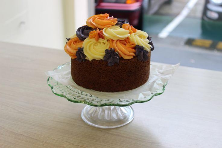 Petal Topcake - Mango Cake Sponge with Tropical Mango, Passionfruit and Black Doris Plum Cream Cheese Icing #petalcupcakes [6 inches]