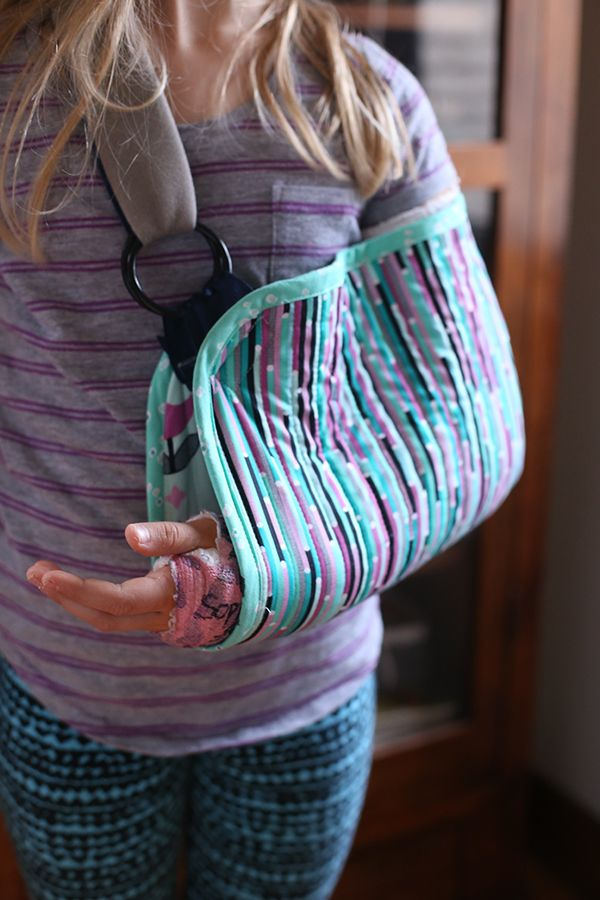 If I ever break my arm I want one of these!   ~Noodlehead DIY Sling sewing quilting