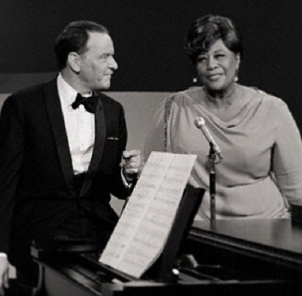 Ella Fitzgerald al programa de Frank Sinatra. L'Ella, amb un vestit verd preciós, interpretà una versió molt sentida i molt elegant del tema Body and Soul.