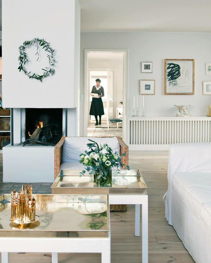 Standing in her living room #jetteshome #interiordesign #jettefrölich #jettefroelich #jettefrölichdesign #jettefroelichdesign #danishdesign #scandinaviandesign #homedecor