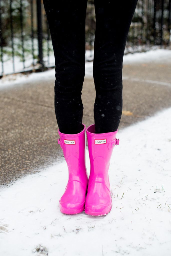 Pink Hunter boots | these are so cute! Wish I wore more clothes to match these though