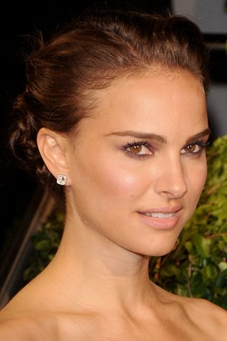 Natalie portman natural makeup look... One of my favourite celebrities, she likes a natural look