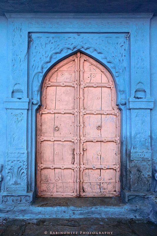mughal-door-architecture-blue-pink-islam.jpg (533×800)