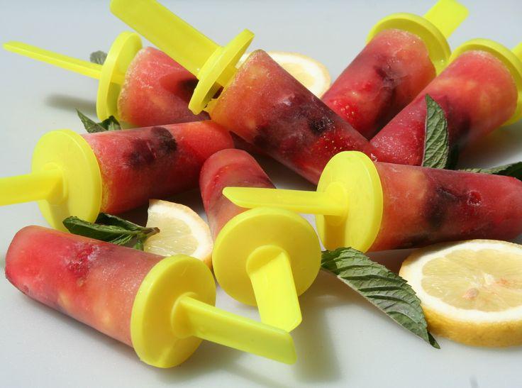 Home made water ice creams > waterijsjes van vers fruit. Recipe > www.lekkeretenmetlinda.nl