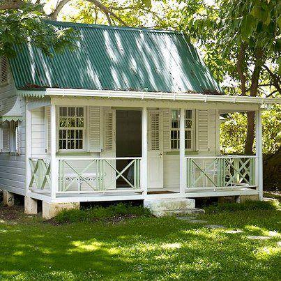 Deep South Tiny House - Love the big porch.