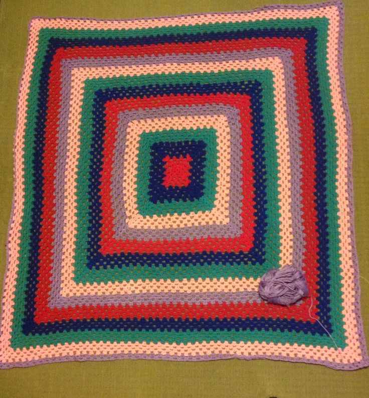 Learning to crochet by making a giant Granny Square.