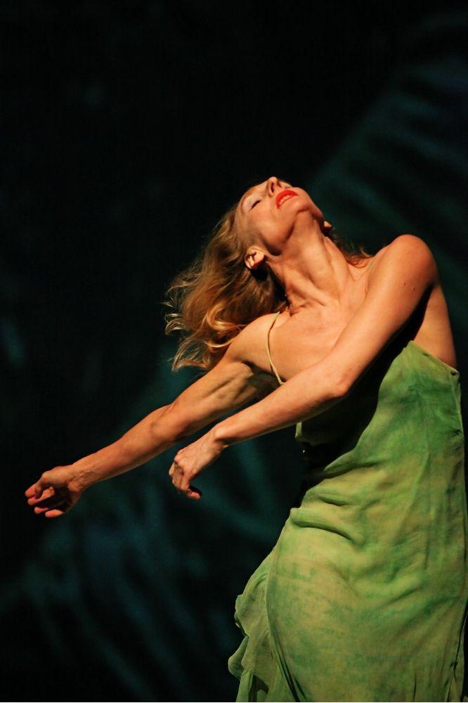 Água, Tanztheater Wuppertal Pina Bausch, Barbican Theatre | Dance reviews, news & interviews | The Arts Desk
