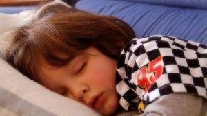 Slaapbehoefte: Hoe laat moet mijn kind naar bed? (Per leeftijd)