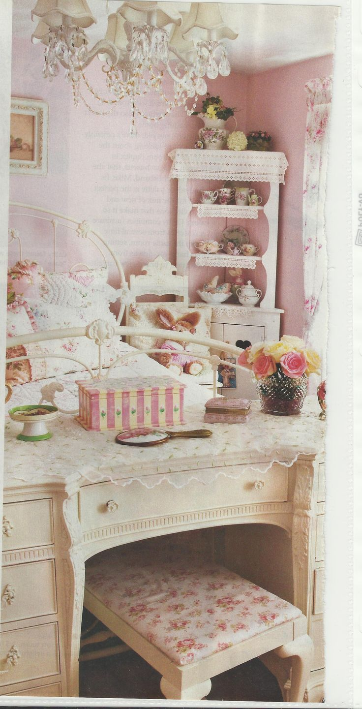 1042 best vintage shabby chic furniture and home decor images on pinterest vintage decor. Black Bedroom Furniture Sets. Home Design Ideas