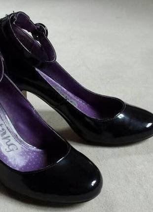 Kaufe meinen Artikel bei #Kleiderkreisel http://www.kleiderkreisel.de/damenschuhe/hohe-schuhe/138735374-schwarze-lack-high-heels-mit-riemchen
