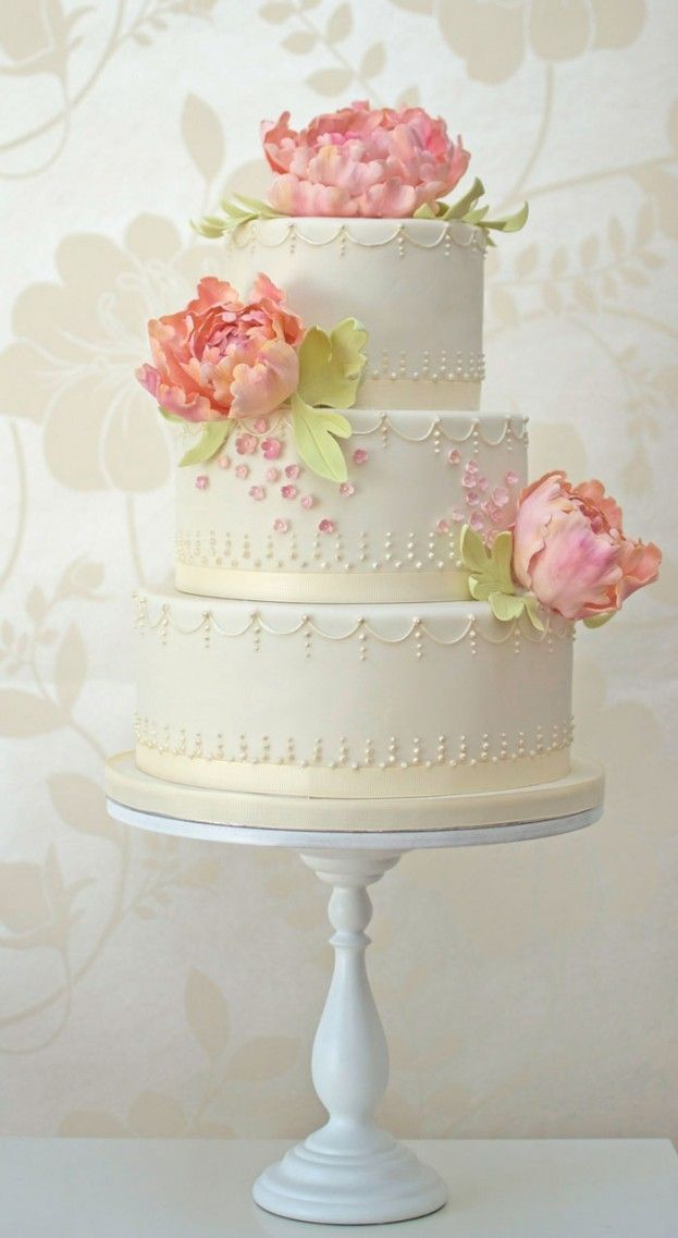 These new wedding cake ideas by Rosalind Miller are bound to inspire you! / I'D WANT LIGHT BLUE FLOWERS!~