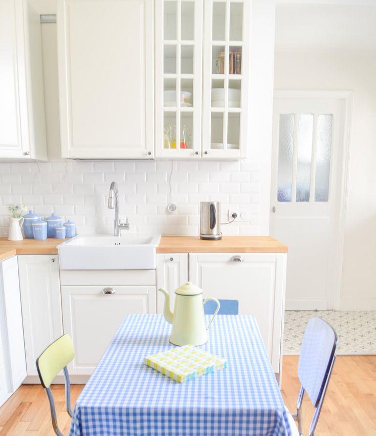 Cuisine Moderne Vert Anis : cuisine ikea metod BODBYN montage smeg bleu ciel placard vitre