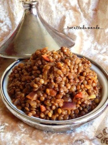 Voilà un petit plat qui se prépare rapidement à la cocotte minute; Un plat Marocain doucement épicé pour ma part. Les lentilles est un légume sec qui n'a pas besoins de trempage ! ** Recette Marocaine ** Ingrédients pour environ 4 personnes : . 500g de...