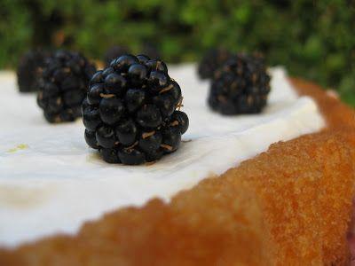 O Bolinho de Sábado: Tarte com Mascarpone de Limão & Amoras