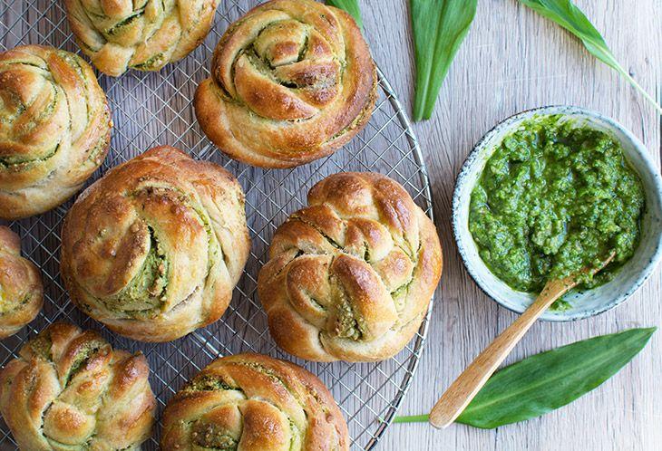Ramsløgssnurre er små lækre brød som er perfekte til madpakker og madbrød som tilbehør til aftensmåltidet - få den lækre opskrift her