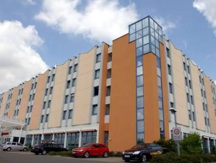 Halle an der Saale H+ Hotel Leipzig-Halle Germany, Europe Set in a prime location of Halle an der Saale, H+ Hotel Leipzig-Halle puts everything the city has to offer just outside your doorstep. The hotel offers a wide range of amenities and perks to ensure you have a great time. Service-minded staff will welcome and guide you at the H+ Hotel Leipzig-Halle. Guestrooms are fitted with all the amenities you need for a good night's sleep. In some of the rooms, guests can find tele...