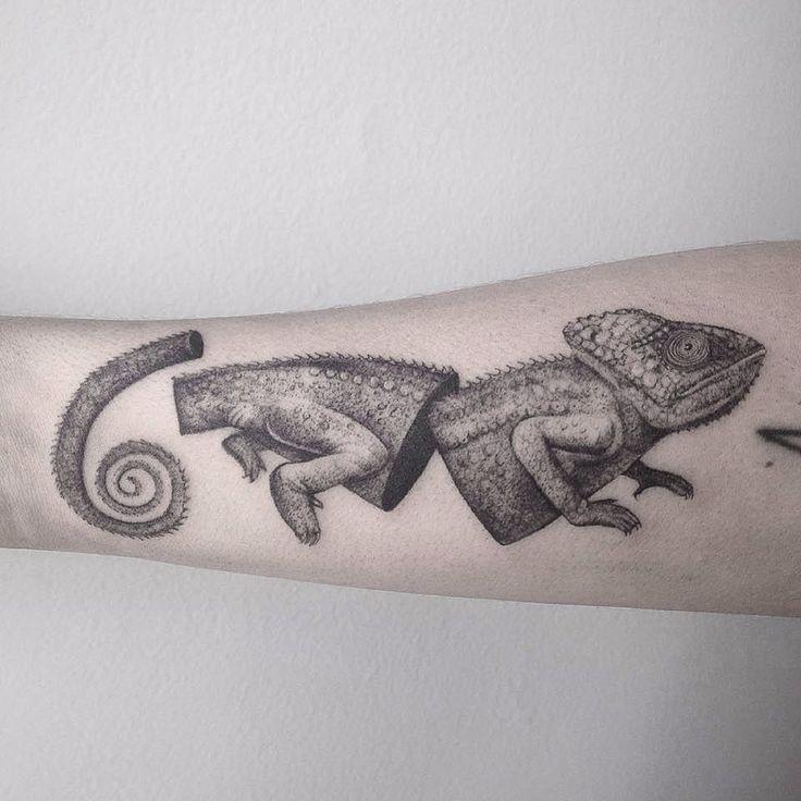 Chameleon Small Tattoo: 17+ Best Ideas About Chameleon Tattoo On Pinterest