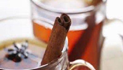 Honing-kaneel water: simpel maar veelzijdig voor de gezondheid