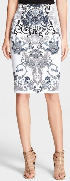 Lovely white printed pencil skirt. http://rstyle.me/n/sed89bg7t7