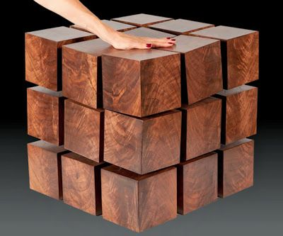 Mesa de cubo Rubik flotante | La Guarida Geek