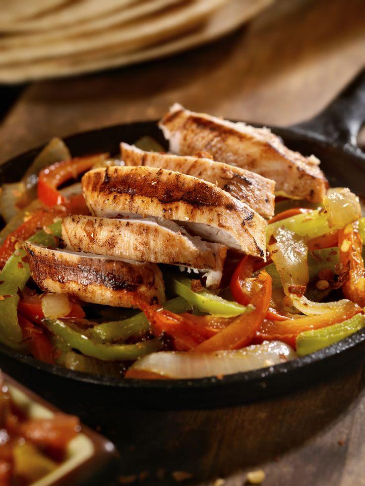 25. Chicken Fajitas #healthy #quick #recipes http://greatist.com/health/surprising-healthy-microwave-recipes