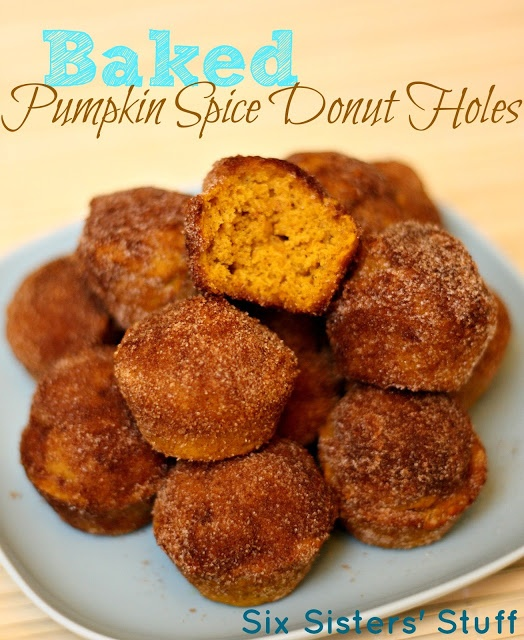 Baked Pumpkin Spice Donut Holes- these melt in your mouth! Made in a ...
