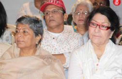 Om Puris former brother-in-law Annu Kapoor and family held the 13th day condolence meet
